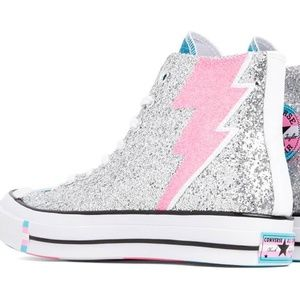 NEW Converse PRIDE High Top Sneakers Size 9